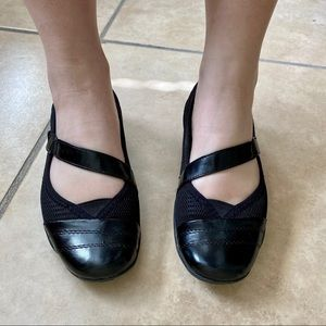 Life Stride Black Mary Jane Comfort Flats